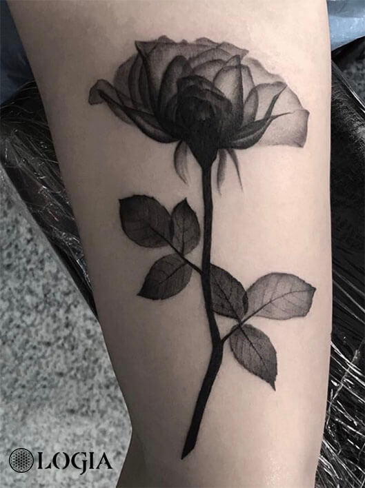 Tatuajes De Rosas Para Sant Jordi Logia Tattoo Barcelona