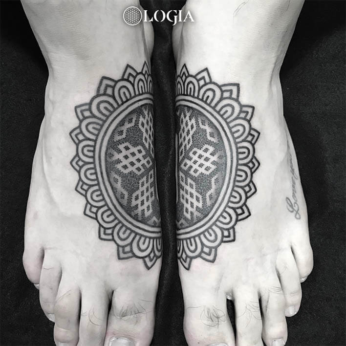 tatuaje pies mandala logia barcelona willian spinola