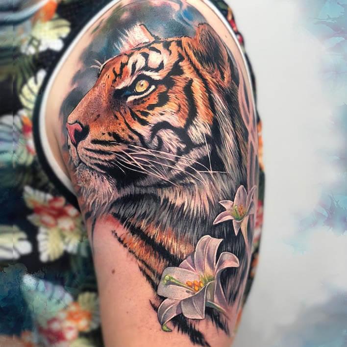 tatuajes con tinta blanca tigre
