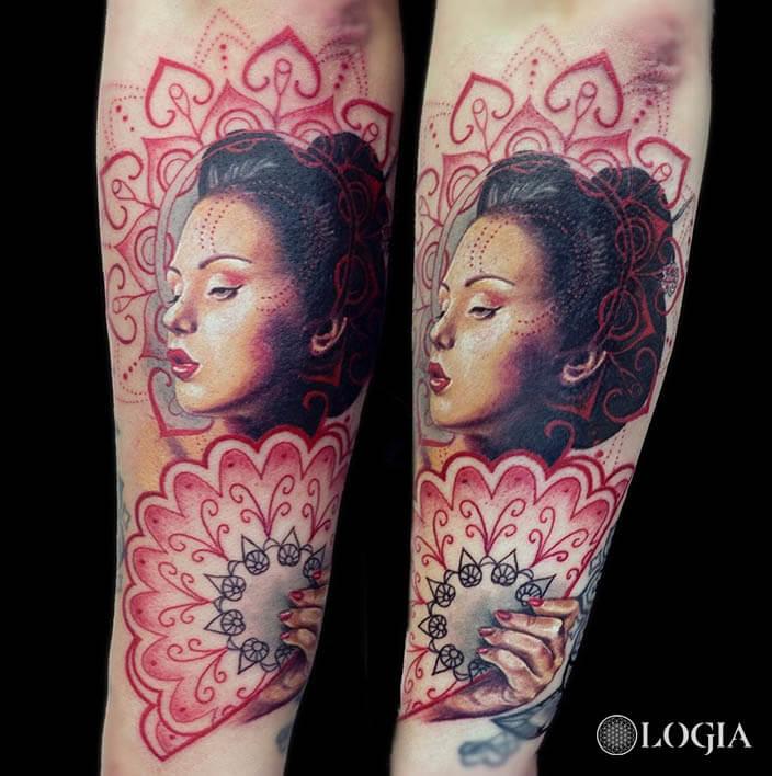 tatuaje brazo geisha logia barcelona laura egea