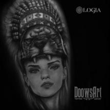 tatuaje guerrera hombro logia barcelona doows
