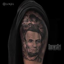 tatuaje hombro lincoln logia barcelona doows