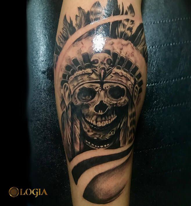 tatuaje antebrazo calavera logia barcelona Annie Blesok