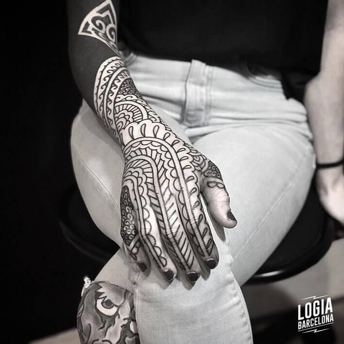 tatuaje geometrico Spindola logia barcelona