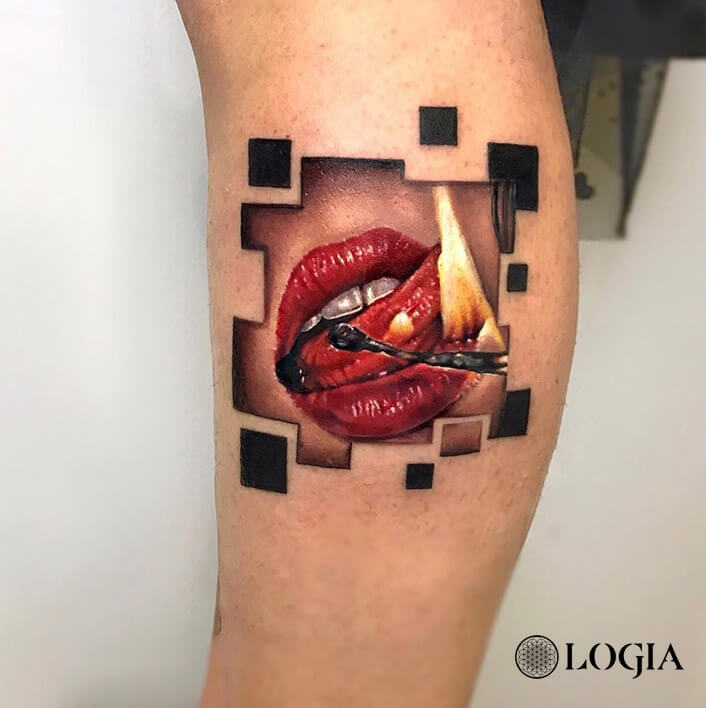 tatuaje labios rojos