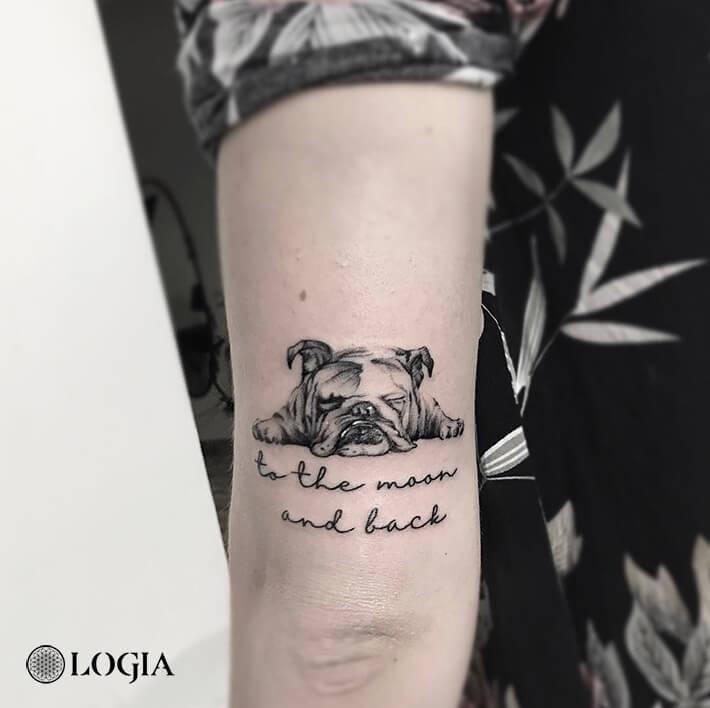 tatuaje perro brazo logia barcelona giuliadelbianco