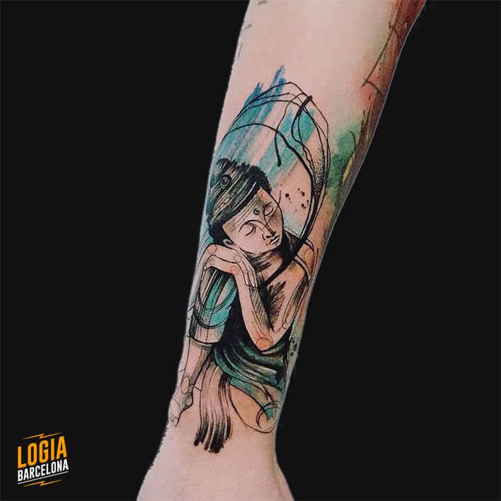 tatuaje antebrazo buda durmiendo color damsceno
