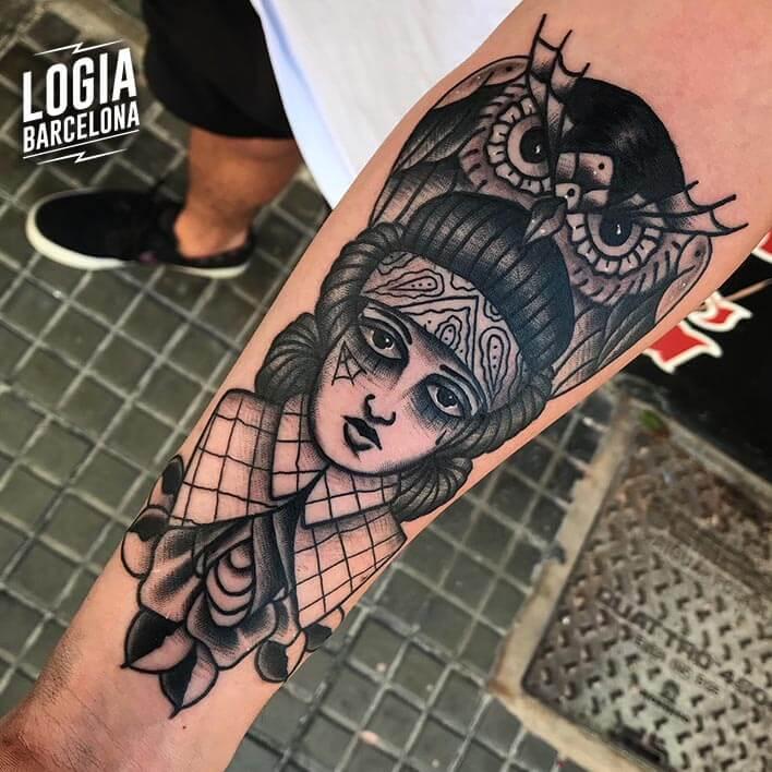 tatuaje antebrazo buho fran ruina