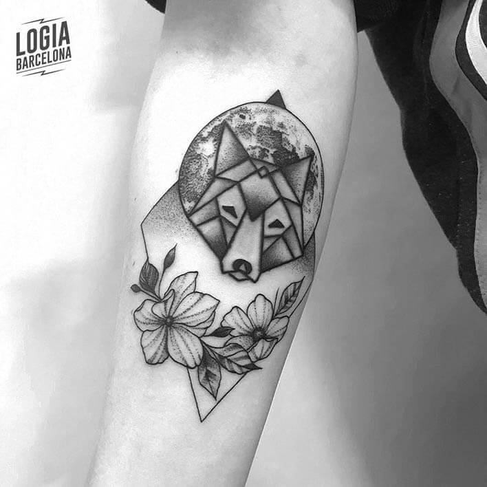 tatuaje antebrazo lobo ferran torre