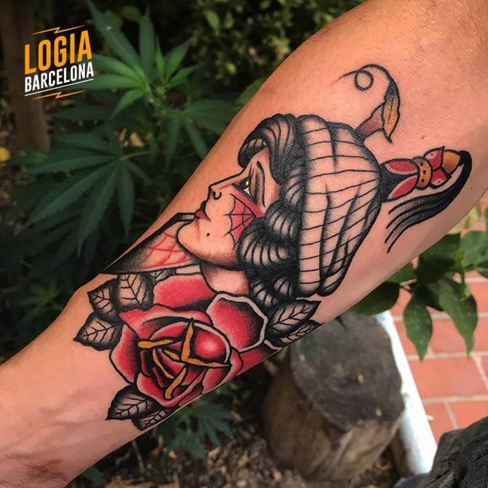 tatuaje brazo retrato logia barcelona fran ruina