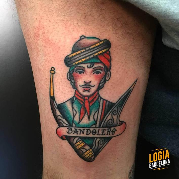 tatuaje pierna bandolero logia barcelona julio herrero
