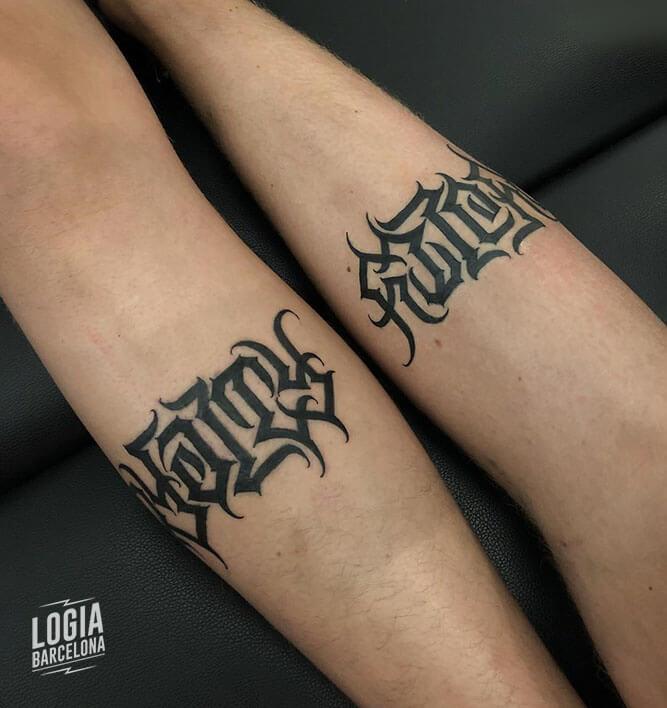 tatuaje lettering en antebrazo diego fustar