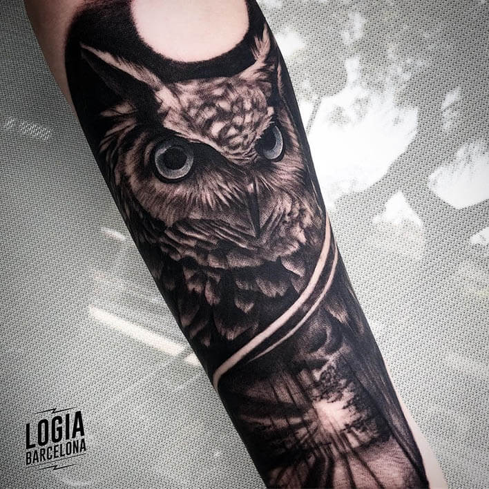 tatuaje buho Logia Barcelona tatuador Jas