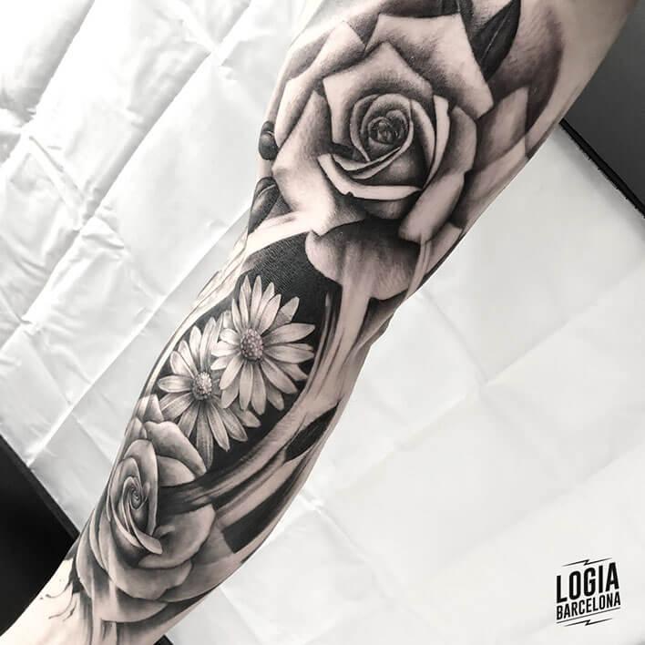 tattoo flores en el brazo Logia Barcelona tatuador Jas