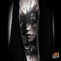 tatuaje_brazo_retrato_Logia_Barcelona_Jas