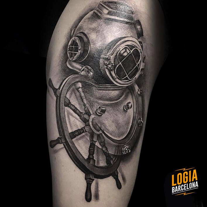 tatuaje_hombro_buzo_Logia_Barcelona_Jas
