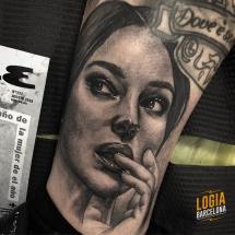 tatuaje_pierna_monica_belluci_Logia_Barcelona_Jas