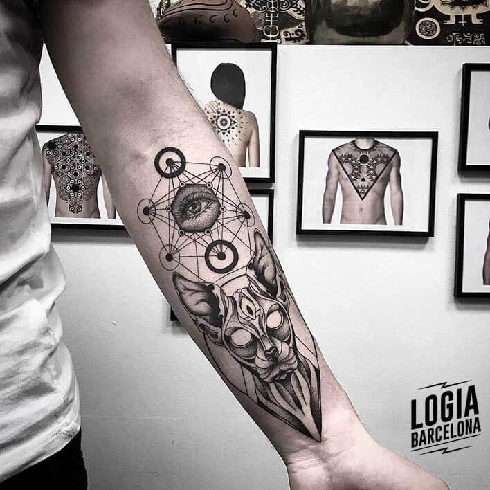 tatuaje de gato Mace Cosmos Logia Barcelona