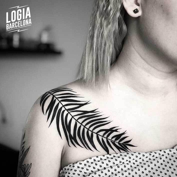 tatuaje_planta_hombro_logia_barcelona_mace_cosmos