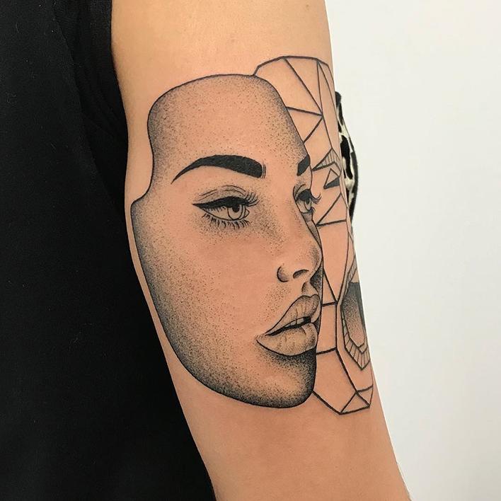 tatuaje blackwork Parne Luck tatuador