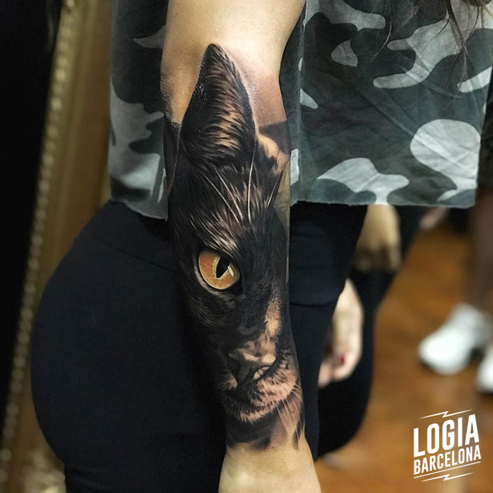 tatuaje gato negro Logia Barcelona