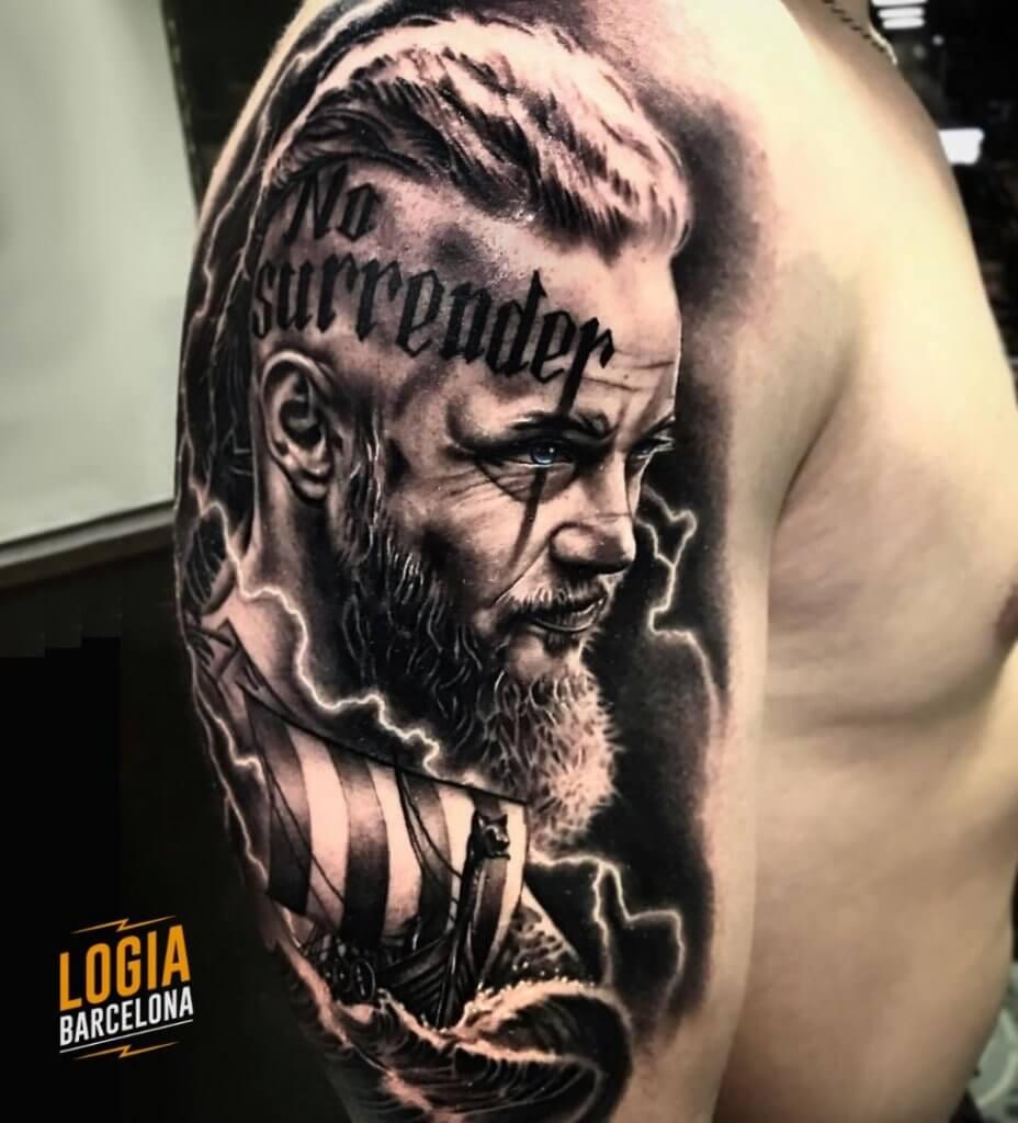 tatuajes en la cara - Tatuaje de Ragnar Lothbrok Lamper Edgar Logia Barcelona