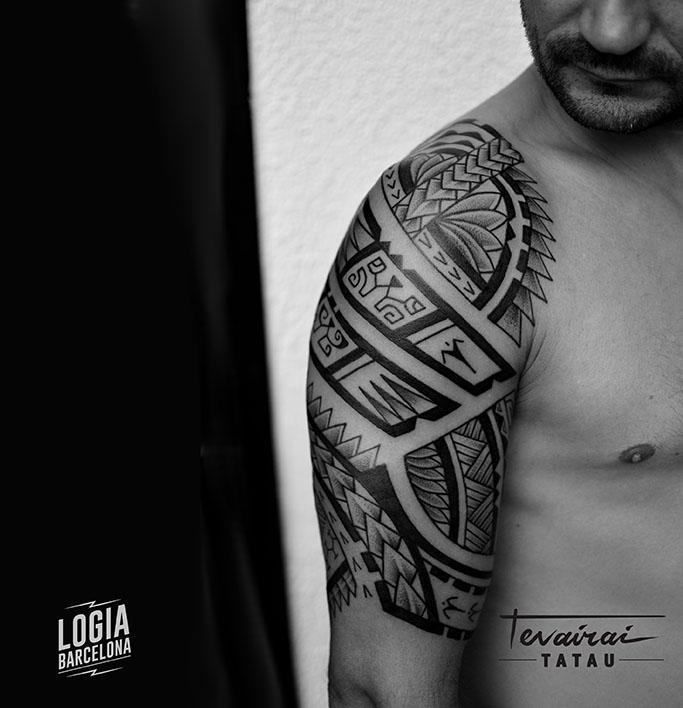 Tatuaje Maori Polinesio tatuador Tevairai Logia Barcelona