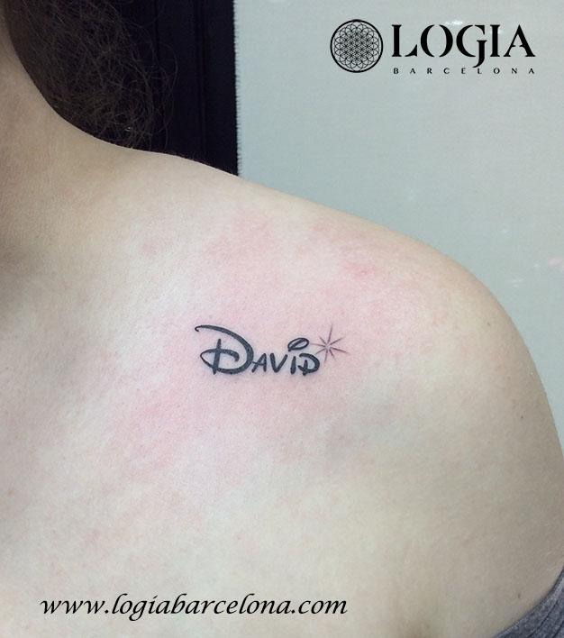 tatuatge petit lletres Logia Barcelona