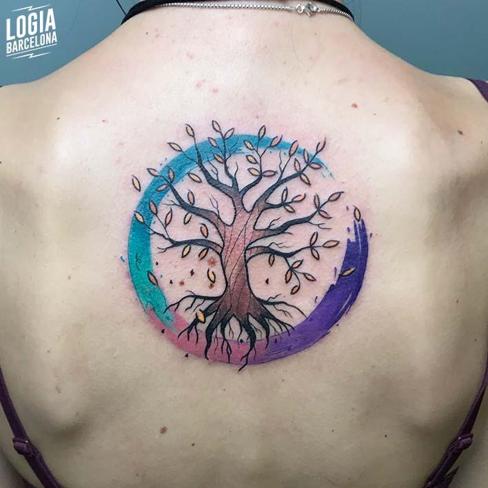 tatuaje_espalda_arbol_logia_barcelona
