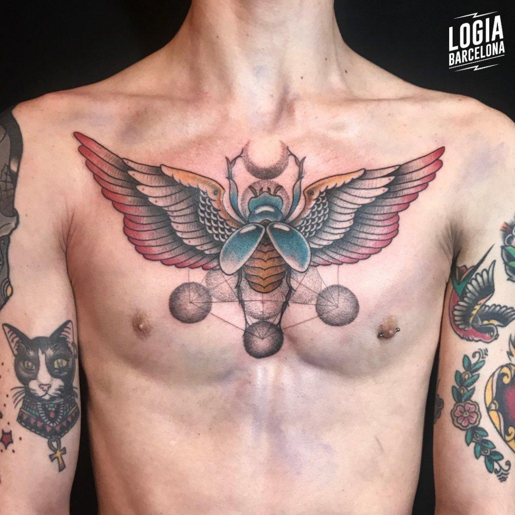tatuajes pecho hombre
