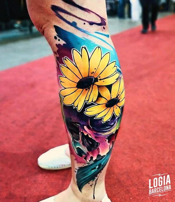 tatuaje flores a color Vinni Mattos Logia Barcelona