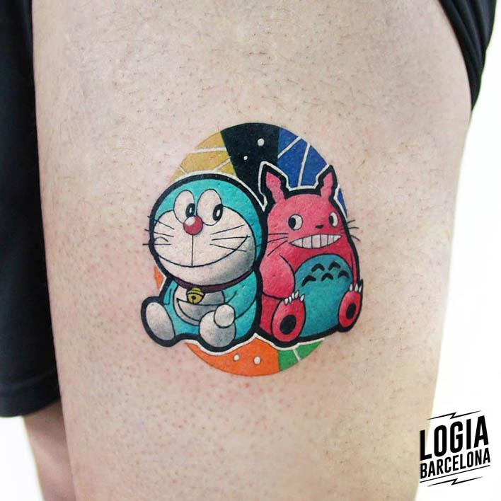 tatuaje Doraemon y Totoro en color Polyc Logia Barcelona