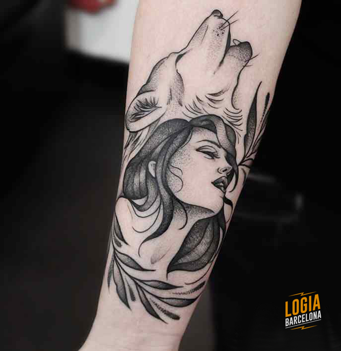 Mononoke Tattoo lobo brazo Beve Logia Barcelona