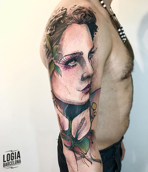 tatuaje lirio y mujer