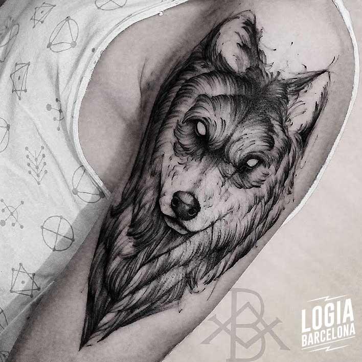 tatuajes nordicos lobo