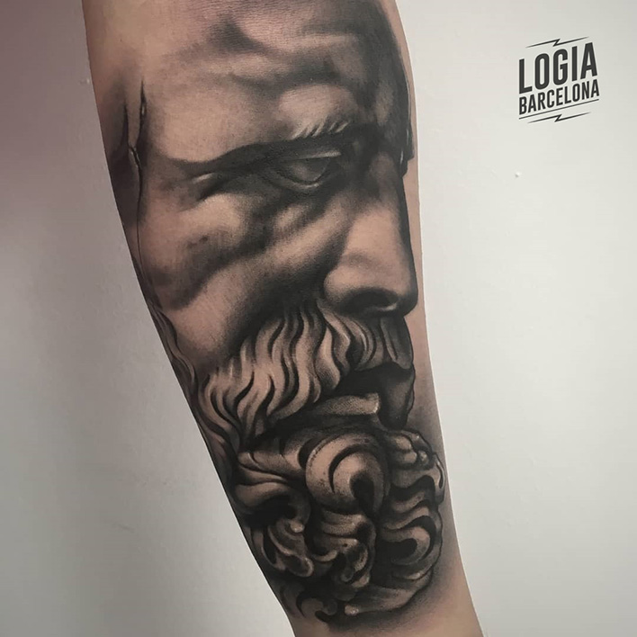 tattoo de Zeus Logia Barcelona Pablo Munilla