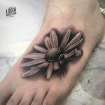 Los tatuajes en el empeine