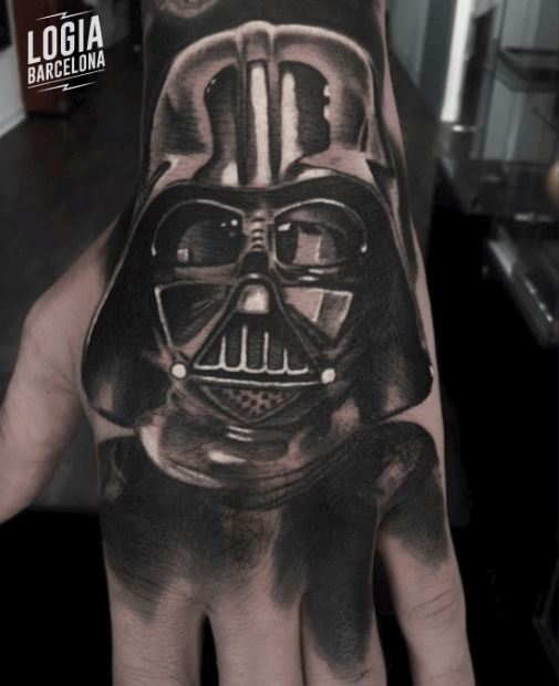 Star Wars Tattoo - Tatuaje de Darth Vader mano - Logia Barcelona