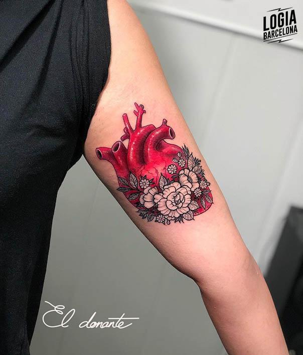 tatuajes rojos corazon