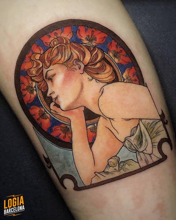 tatuaje_brazo_modernismo_art_noveau_mucha_logia_barcelona_pablo_cano