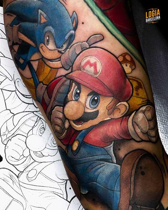 tatuaje_brazo_super_mario_sonic_logia_barcelona_pablo_cano