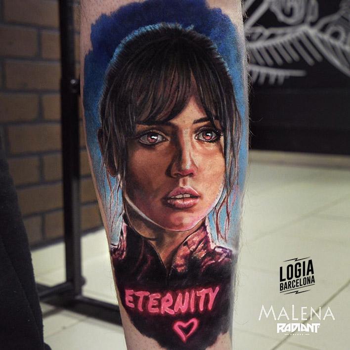 tatuajes letras neon mujer
