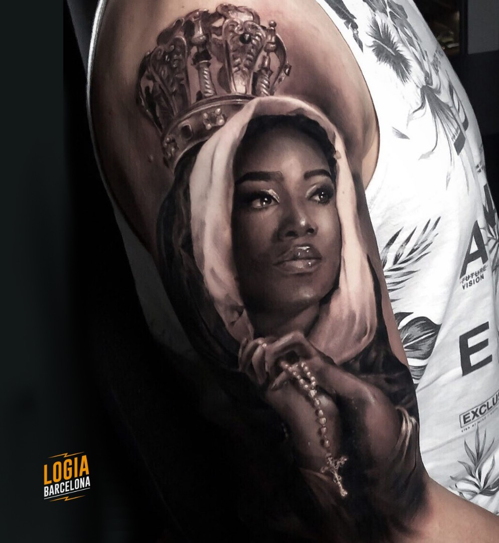 tatuaje virgen negra