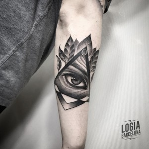 blackwork - illuminati ojo- Logia Barcelona