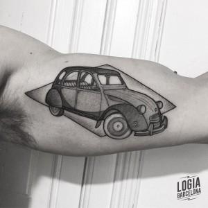 dotwork tattoo - coche - Logia Barcelona