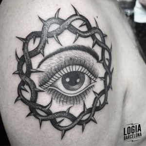 dotwork tattoo - ojo - Logia Barcelona