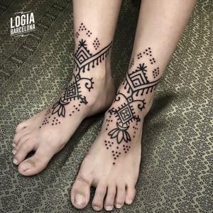 tatuajes dotwork - pies - Logia Barcelona