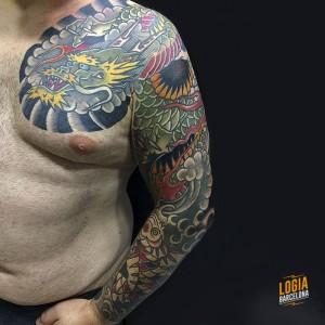 Tatuaje dragon japones en el brazo Logia Barcelona