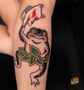 Tatuaje japones rana en pierna Lelectric