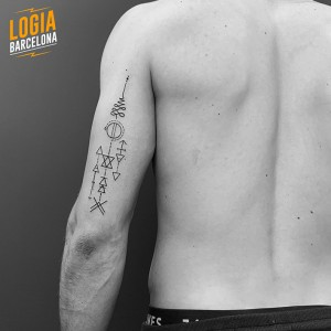 walk in tattoo geometrico - Logia Barcelona
